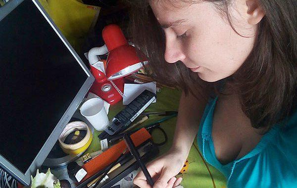 Maria Forleo inchiostra un mattone